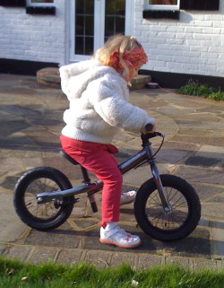Riding the Rothan balance bike